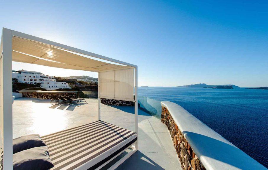 Terrasse, Ambassador Aegean, Santorin, Grèce.