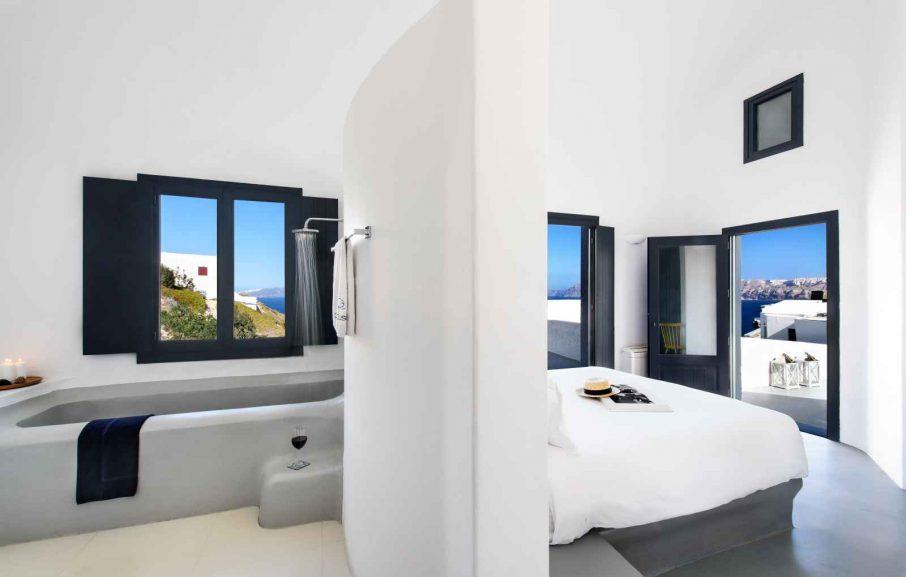 Luxury Suite, Ambassador Aegean, Santorin, Grèce.