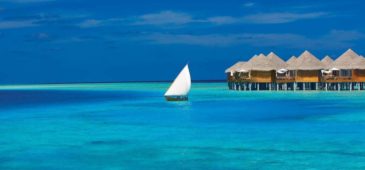 maldives pilotis