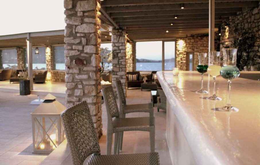 The Pool Bar, St Andrea resort, Paros, Grèce.