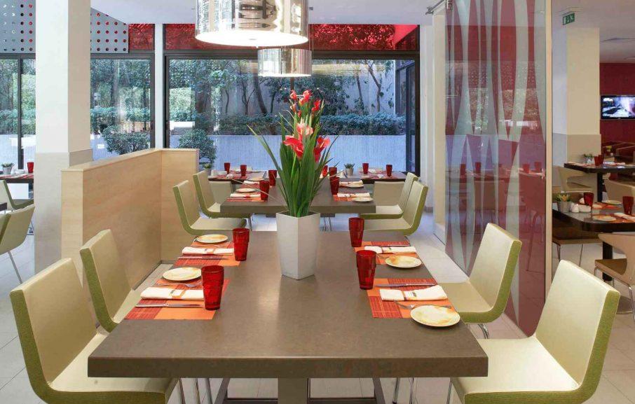 Nov'Agora Restaurant , Novotel Athènes, Grèce.
