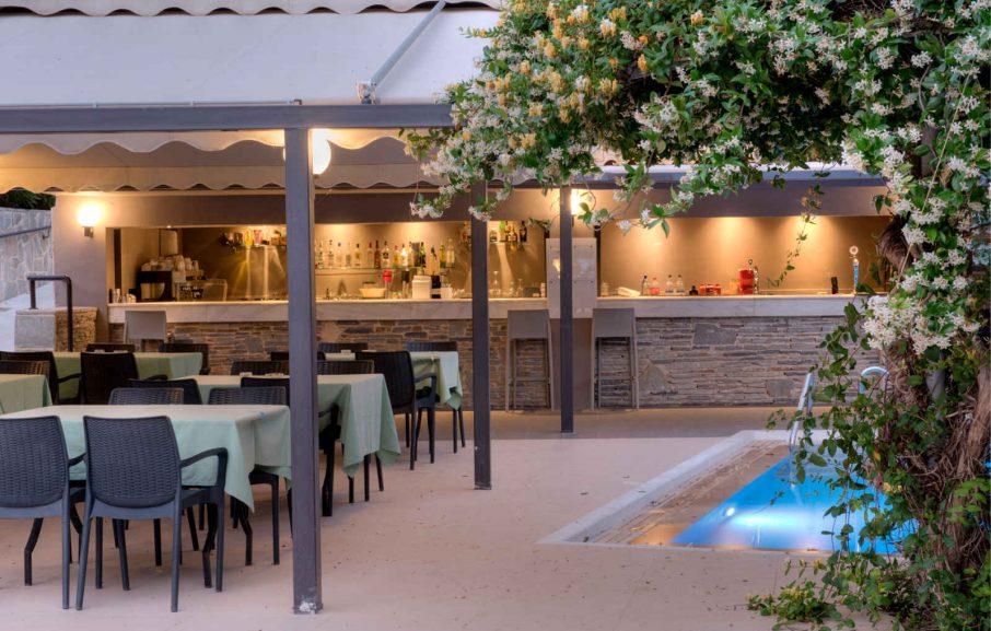 Pool Bar, Hôtel Miramare Eretria, Eretria, Grèce