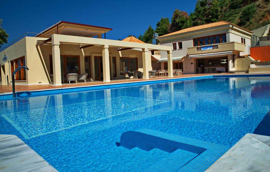 Piscine, Alonissos Beach Bungalows & Suites Hotel, Alonissos, Grèce