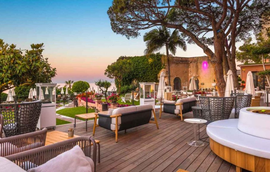 Pine tree club Restaurant, Hotel Fuerte Marbella, Malaga, Espagne