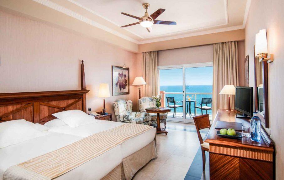 Chambre Double Deluxe vue mer, Elba Estepona Gran Hotel & Thalasso Spa, Malaga, Espagne
