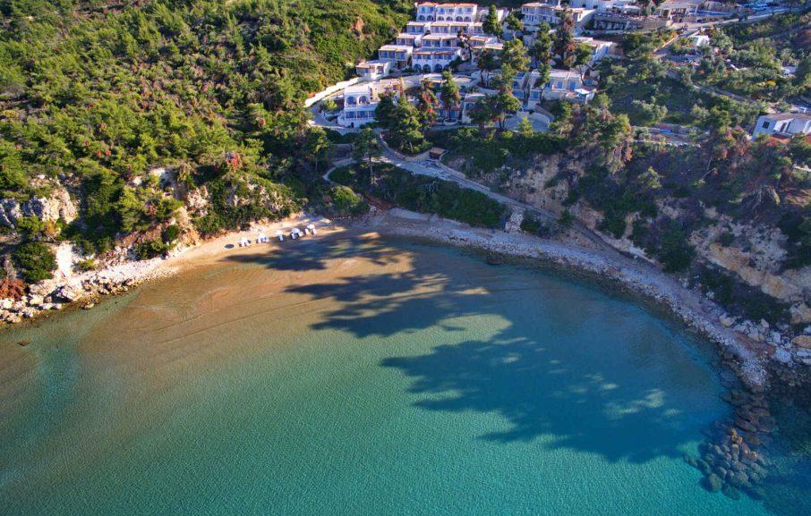 Vue aérienne, Alonissos Beach Bungalows & Suites Hotel, Alonissos, Grèce