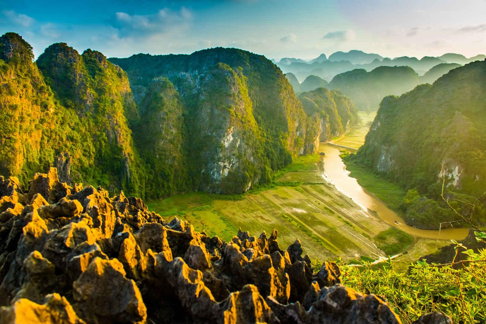 Vietnam : ÐÓI MÓI, le renouveau vietnamien en privé