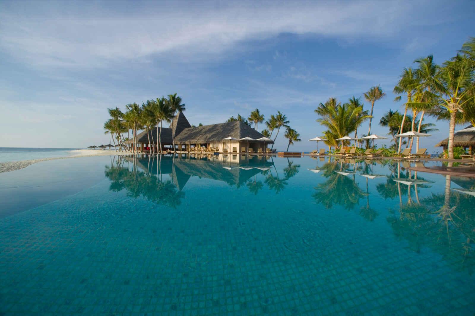 Maldives : Veligandu Island Resort & Spa